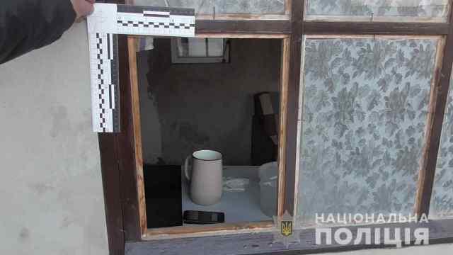 Угрожали расправой и сжечь дом: в Одесской области пожилую женщину связали и ограбили. Видео