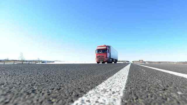 На дорогах Одесской области ограничили движение фур