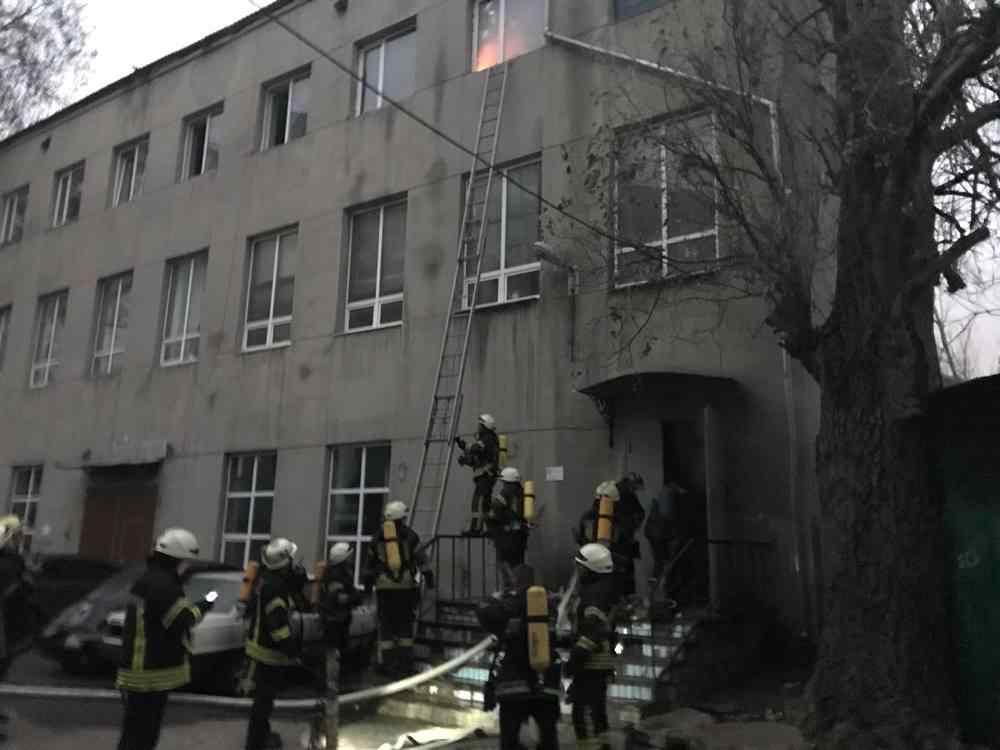 В Одессе произошел пожар в училище. Фото