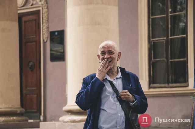 Дело об увольнении Ройтбурда из Одесского худмузея на финишной прямой, но завершиться никак не может