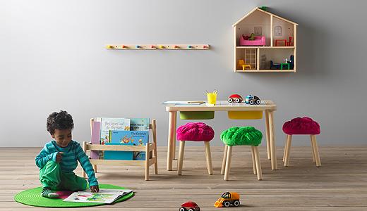 パイン材が美しいFLISATは子供の家具としても丈夫でおすすめ。