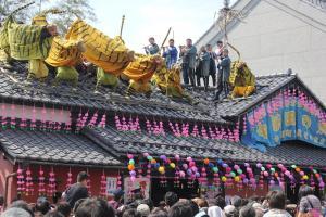 【4月29日(日)】初午まつり 火伏せの虎舞|加美町 中新田|~大火の災厄から逃れる。約650年前からの火伏せの行事~色鮮やかな山車と虎が練り歩き勇壮な舞いを披露