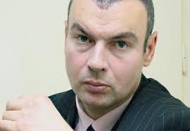Драган Петровић - Вучићев режим штите медији, аналитичари и лажне патриоте!