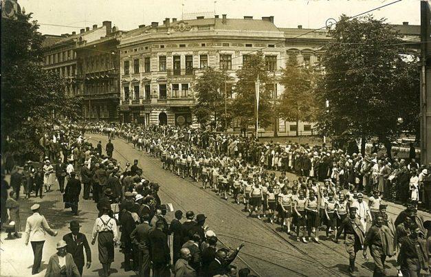 Саша Недељковић: Соколи на X свесоколском слету у Прагу 1938.