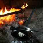 【どっちがおすすめ!】使い易いバーベキューコンロはガスと炭どっち?