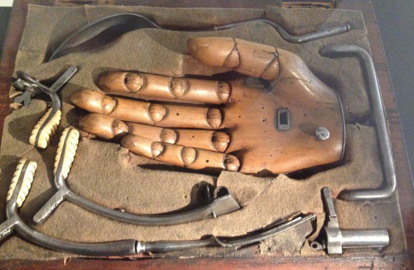 kunstig hånd fra matros 1807