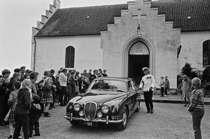 Barnedåb 310565 Dronningens bil