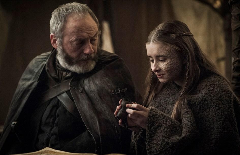 Davos (Liam Cunningham) y Shireen (Kerry Ingram) en Juego de Tronos