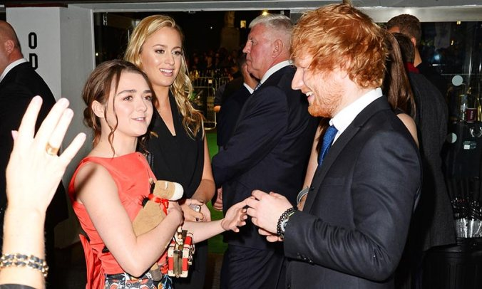 Maisie Williams y Ed Sheeran