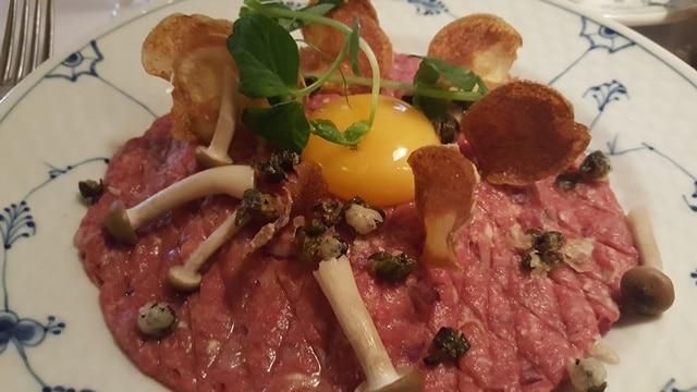 Restaurant Kronborg - Tatar med æg 640