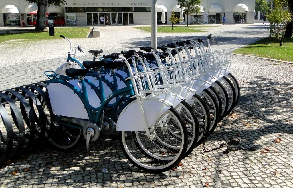 Zwiedzanie ciekawych miejsc w Aveiro - bezpłatna wypożyczalnia rowerów