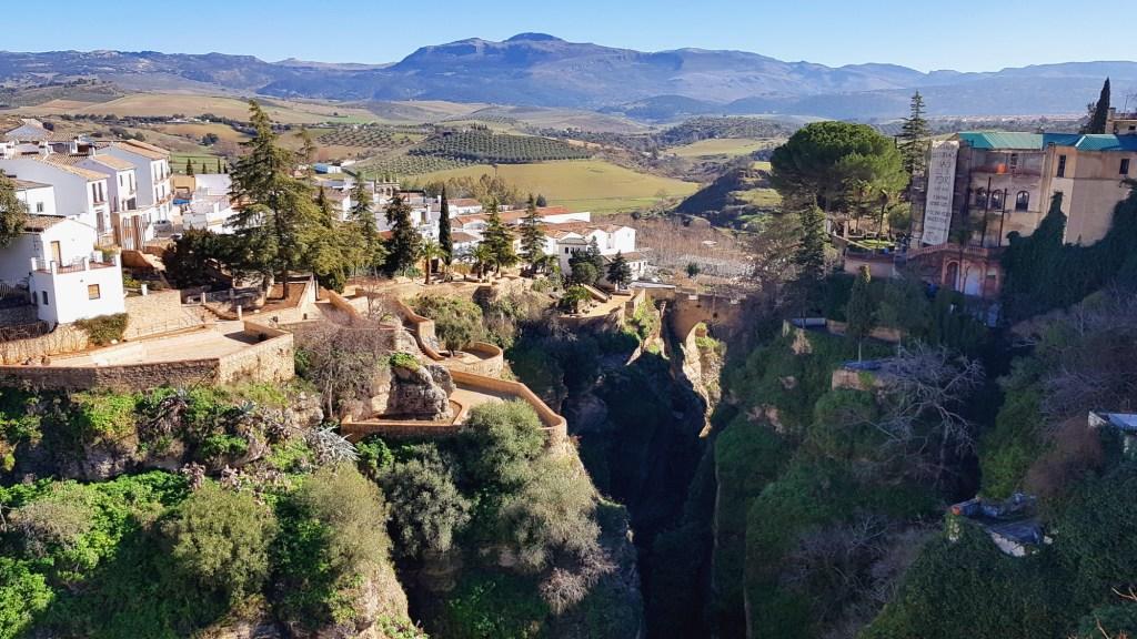 Zwiedzanie ciekawych miejsc w Rondzie - Ogrody Cuenca