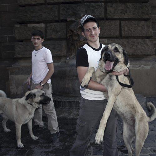 Ali & Hasan mit ihren Kangals