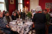 Gabriele introducerer foreningens nye folder (Foto Dan Riis)
