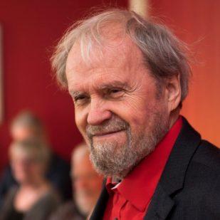 Johannes Møllehave nyder at holde søndagssalon (Foto Dan Riis)