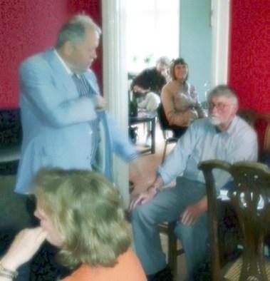 Johannes Møllehave takker Henrik Markussen for foredraget om Carl Nielsen og Anne Marie Carl Nielsen