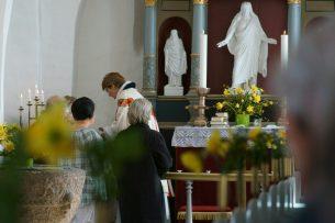 Bøstrup Kirke   Gudstjeneste