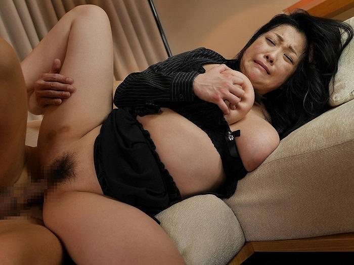 小向美奈子「花弁と大蛇」ドSな太肉棒がもう一人の私を目覚めさせた