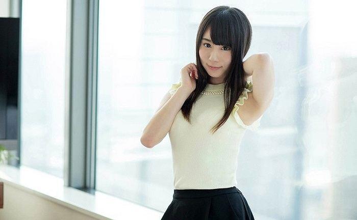 オナニーに耽る清楚系な美少女のオマンコおっぴろげの大人可愛いエッチ ichika