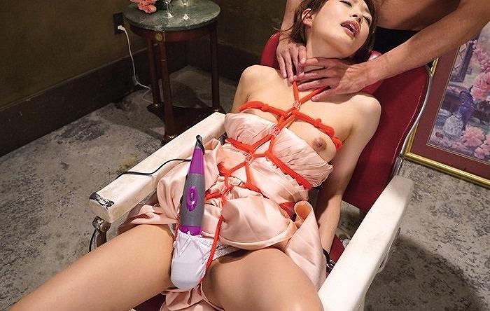 拘束緊縛で首絞めマ●コ電マ責め調教!膣を絞めてヨガる生粋のドM体質、相沢みなみに躾ファック
