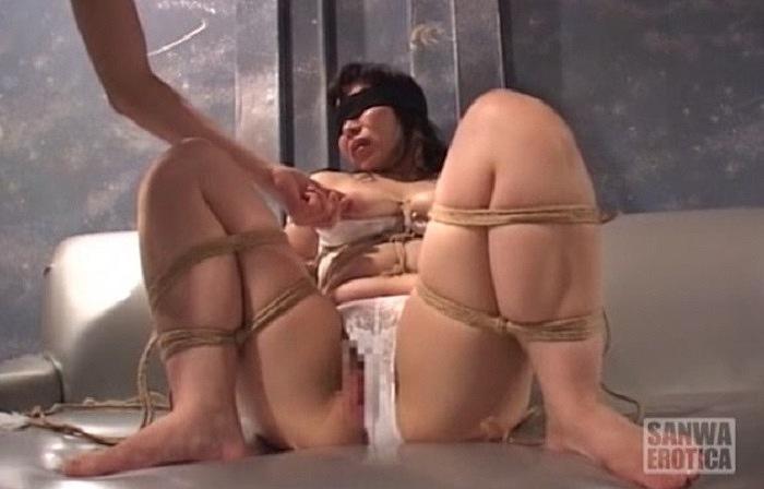 緊縛責めで調教してください! 縄固定されたバイブに呻く調教志願の雌犬妻の投稿動画 素人投稿 調教されたい牝奴隷