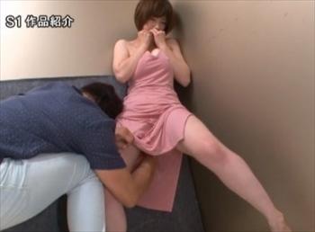 マキシワンピース姿の変態ドM妻が背徳羞恥セックスに溺れる 透ける巨乳や乳首、マンスジに視線を感じて濡らす奥田咲