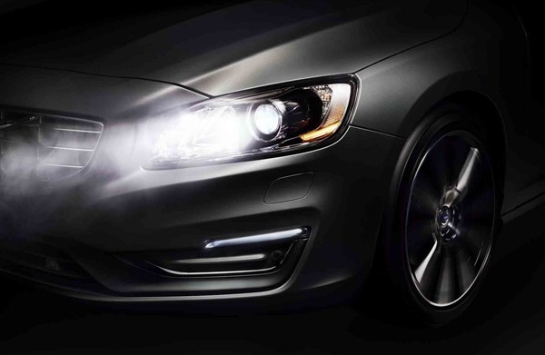 volvo-lights-2_1035