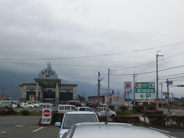 平和堂 和邇店の駐車場