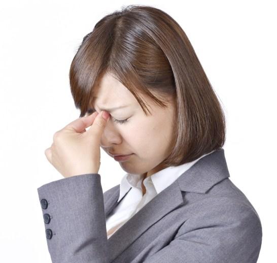 目の奥が痛い頭痛も