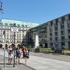 Berlin - Pariser Platz mit Adlon Berlin