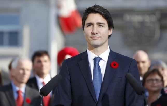 11月4日、カナダ総選挙で大勝した自由党のトルドー党首が、首相に就任し、新内閣が発足した。オタワで撮影(2015年 ロイター/Blair Gable)