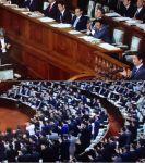 【今日もあぶない総理】安倍総理の呼びかけで自民党議員が一斉に立ち上がり約10秒間拍手!維新・馬場幹事長「異常な光景」生活・小沢代表「中国・北朝鮮」