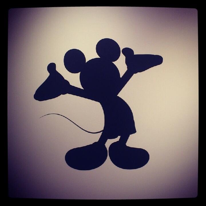 ミッキー マウス シルエット