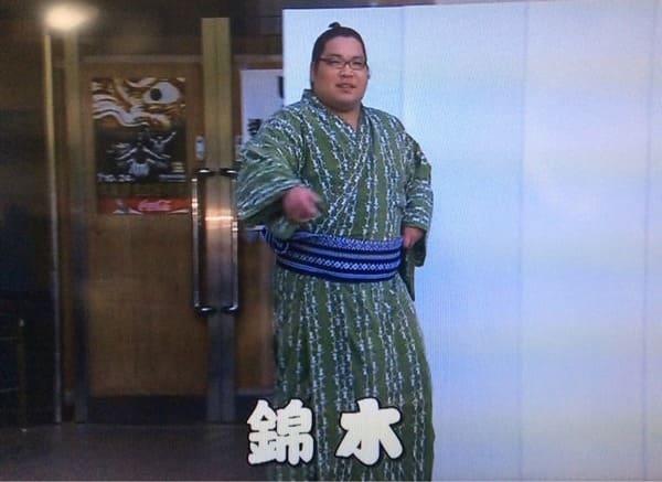 嬉しそうな浴衣姿の錦木