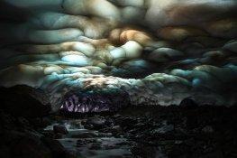 cueva de hielo de Kamchatka, en Rusia