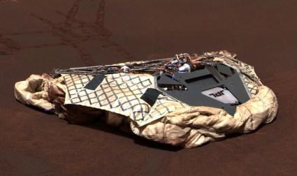 el Mars rover Opportunity tomó esta foto el 1 de enero de 2011. Muestra el lugar donde aterrizó 7 años atrás, en Meridiani Planum