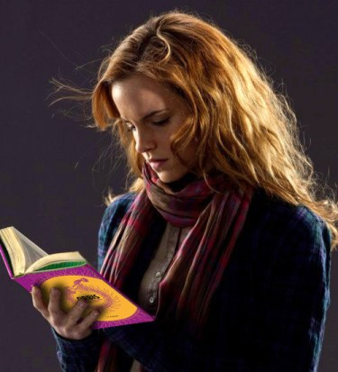 hermione-harry-potter-lee-libro-orbis