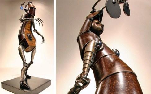 escultura-bio-mecanica-hombre-progresa-hacia-atras-Greg-Brotherton