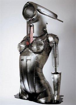 escultura-bio-mecanica-mujer-vespa-Greg-Brotherton