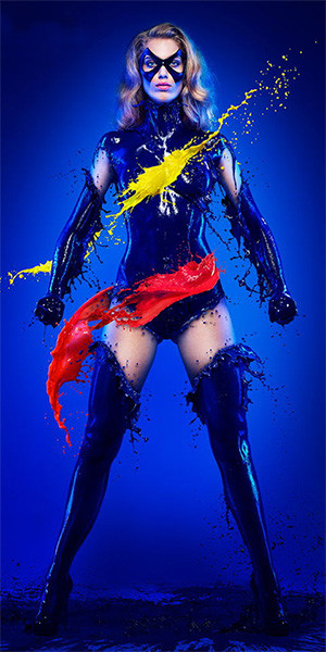 fotografia-superheroina-miss-marvel-calor-refrescante-escultura-liquida