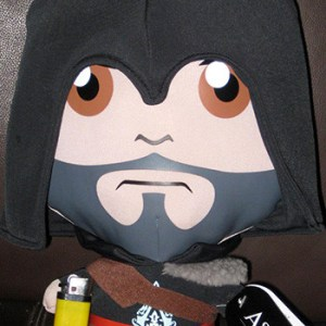 muñeco-tela-assassins-creed-tierno-4