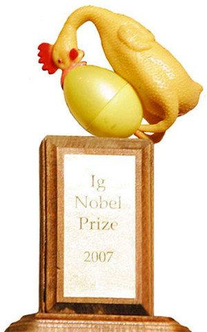 trofeo-premio-ig-nobel-ñoño