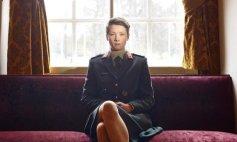 """ella es Breda, cadete de la academia de guerra """"Koninklijke Militaire Academie"""", en Holanda."""