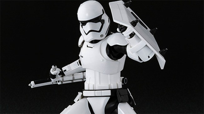 stormtrooper-star-wars-7-tonfa
