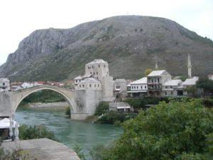 モスタル旧市街の古橋地域(ボスニア・ヘルツェゴビナ)