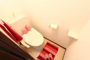 トイレ 窓 必要画像