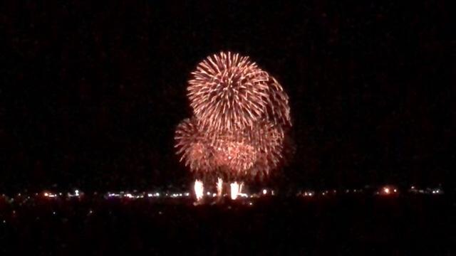 【岩内の花火】冬の打ち上げ花火北海道岩内町で約1500発