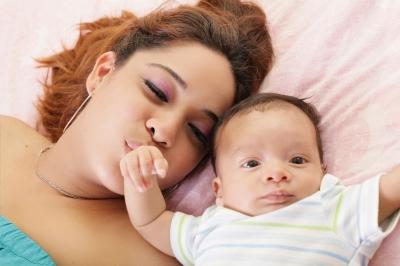 産後2週間ほどで訳もなく涙が出るマタニティブルーの対策!