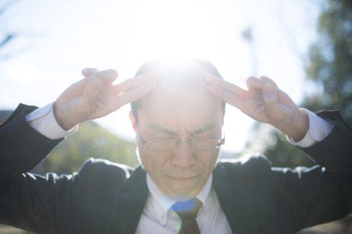 薄毛の人が坊主にしたら目立たなくなる?ボウズのメリットデメリットまとめ