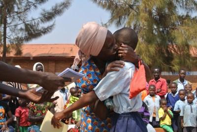 ルシ通信⑧まさかの感涙!ルワンダで小学校の終業式に潜入!